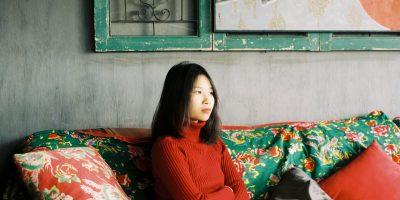 nữ xTer FUNiX thông thạo tiếng Anh, tiếng Nhật