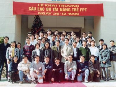 Ảnh chụp tại lễ khai trương Câu lạc bộ Tài năng trẻ FPT